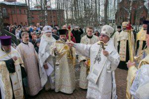 Епископ Выборгский и Приозерский Игнатий возглавил престольный праздник храма Архистратига Михаила в Токсово